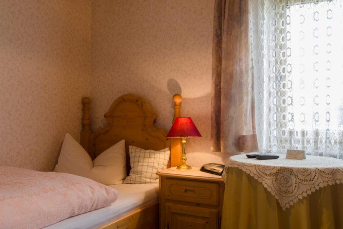 Die Zimmer im Gasthof Zum Knopfloch in Waidach bei Pottenstein in der Fränkischen Schweiz.